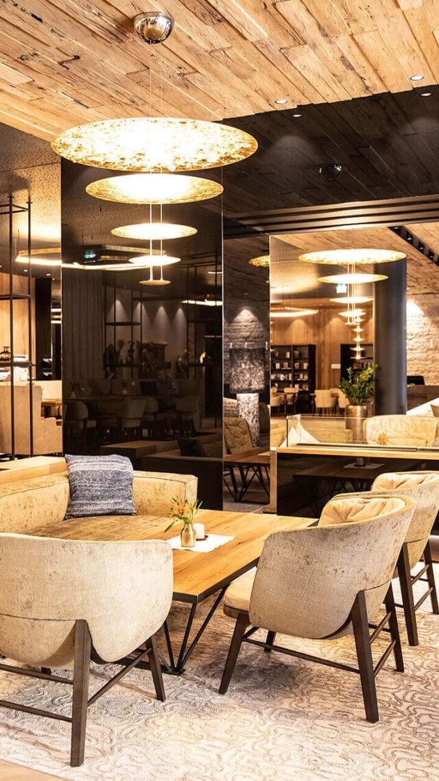 das-edelweiss-restaurant-light-table