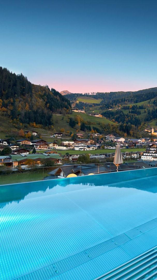 das-edelweiss-view-pool-side-summer