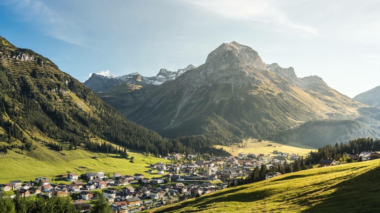 hotel-arlberg-LechZuersTourismus-byHannoMackowitz