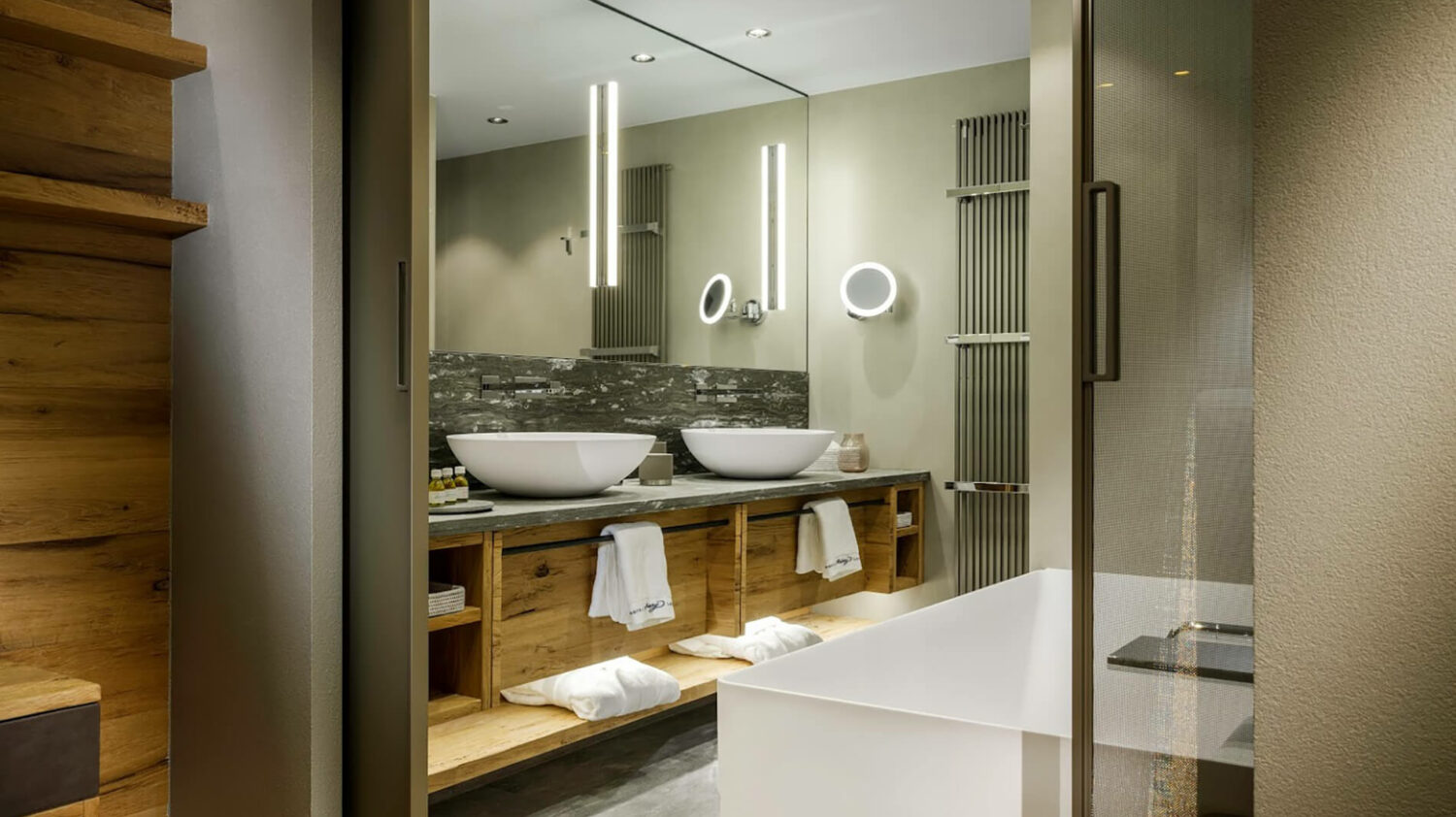 hotel-arlberg-lech-bathroom