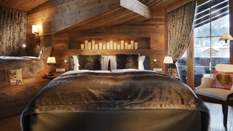 hotel-arlberg-room-suite-wood-bedroom