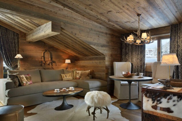 hotel-arlberg-suite-sofa-area