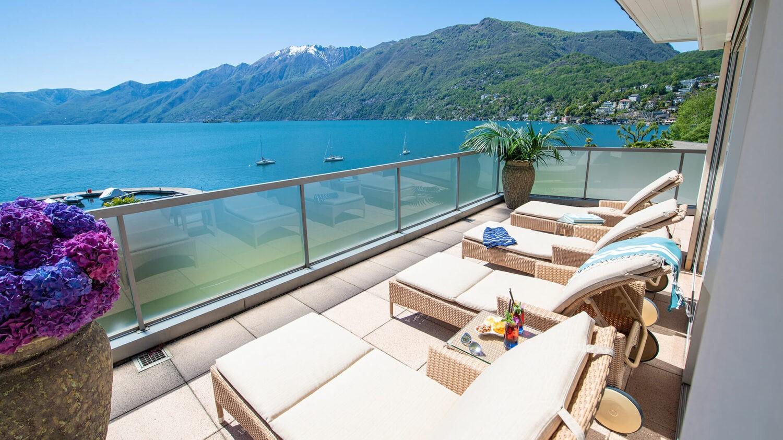 hotel eden roc-terrace-lake