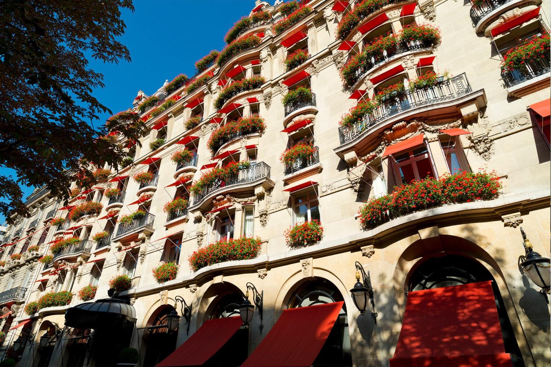 hotel-plaza-athenee-exterior