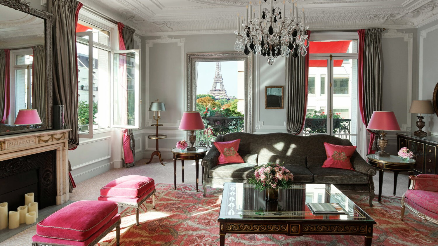 hotel-plaza-athenee-haute-couture-suite
