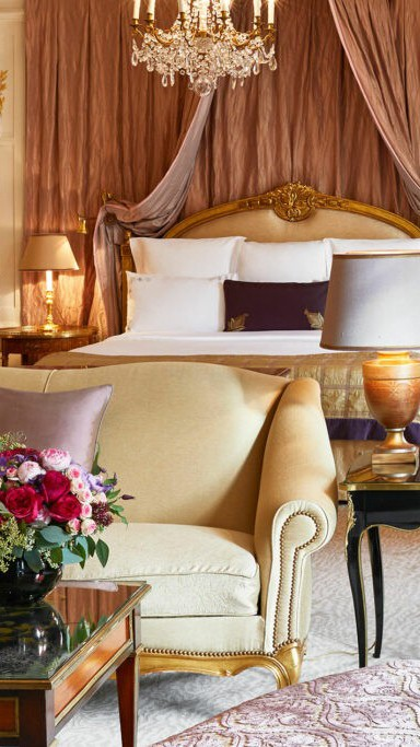 Athenee-royal-suite-room-by-Francis-Amiand