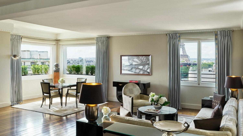 hotel-plaza-athenee-signature-eiffel-suite
