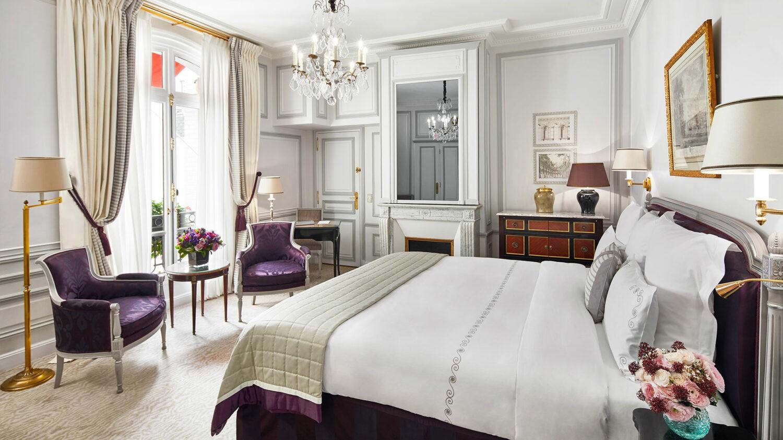 hotel-plaza-athenee-superior-room