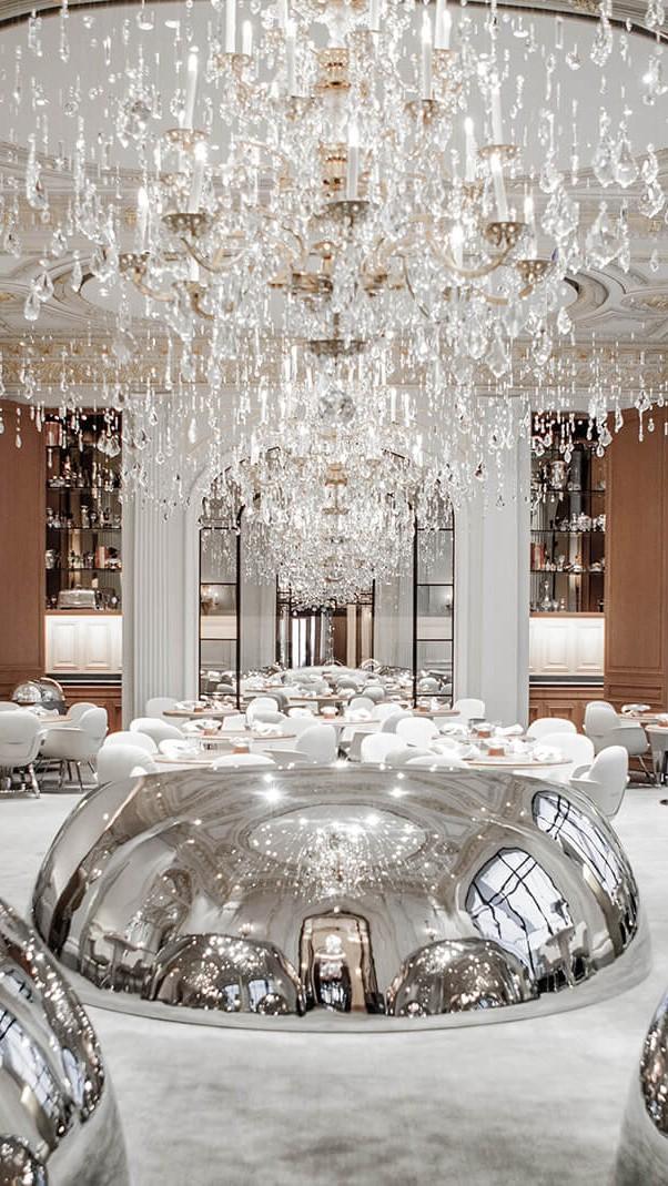 hotels-in-heaven-Plaza-Athenee-Alain-Ducasse-au-Plaza-Athenee