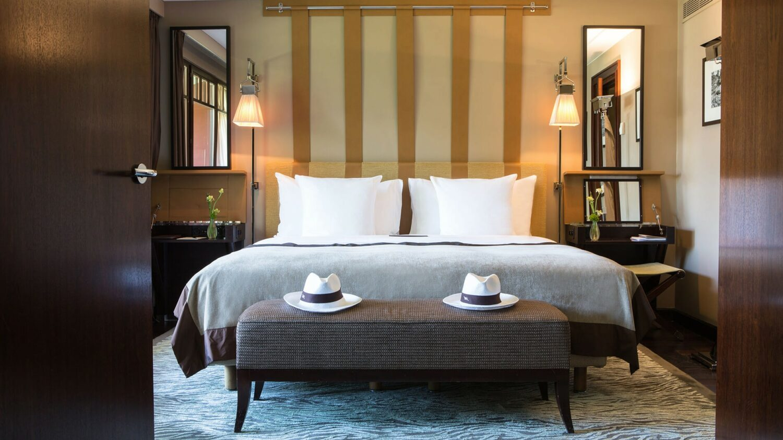 la réserve genève-hotel and spa-bedroom