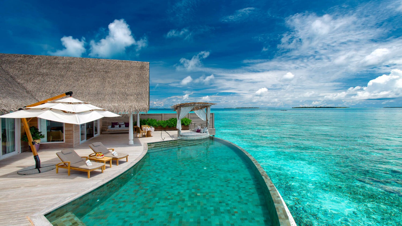 milaidhoo island maldives-infinity-pool