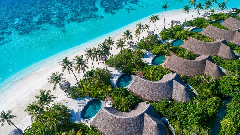 milaidhoo island maldives-overview-beach-villas