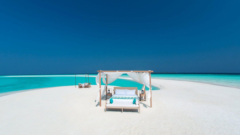 milaidhoo island maldives-sandbank