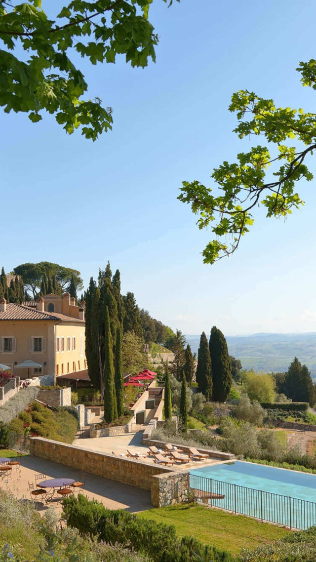 rosewood-castiglion-del-bosco-borgo-pool-mobile