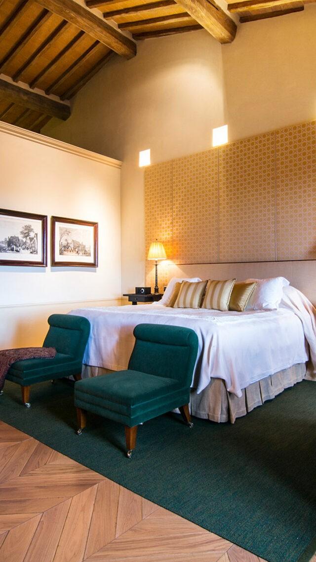 rosewood-castiglion-del-bosco-borgo-suite-bedroom-mobile