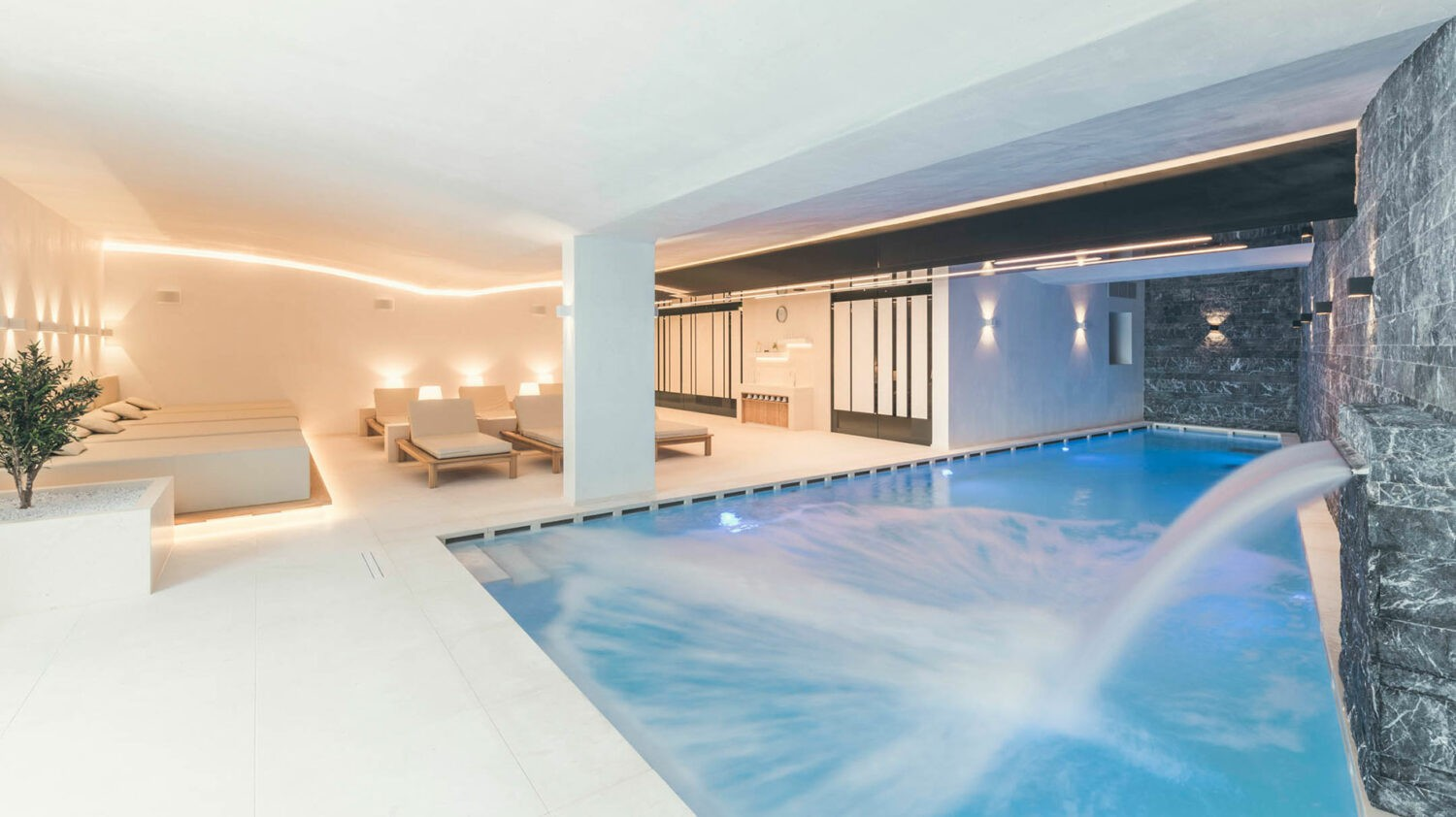 schlosshotel-ischgl-indoor-pool