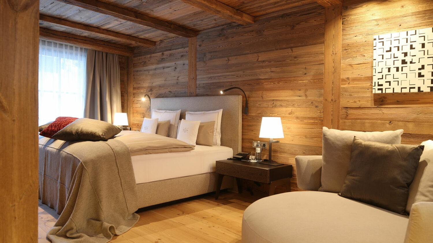 severin-s-alpine-retreat-bedroom