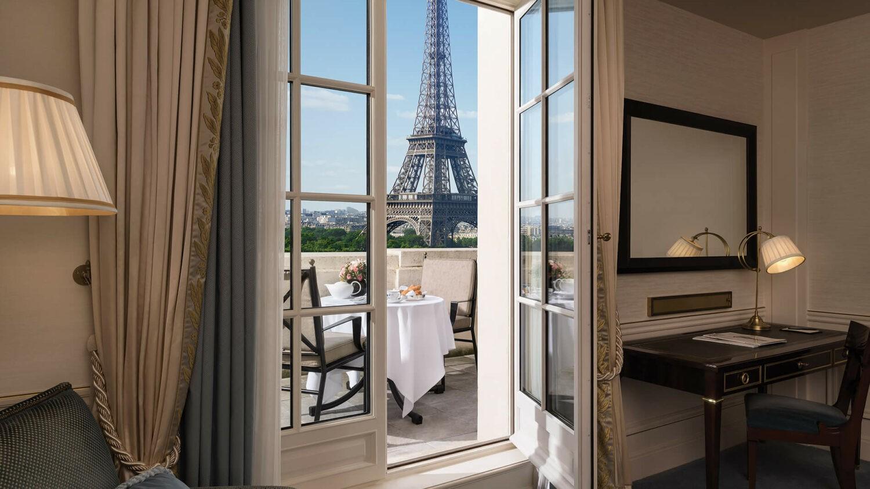 shangri-la hotel paris-bedroom-view