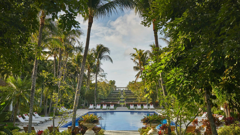the ocean club four seasons resort bahamas-pool-area
