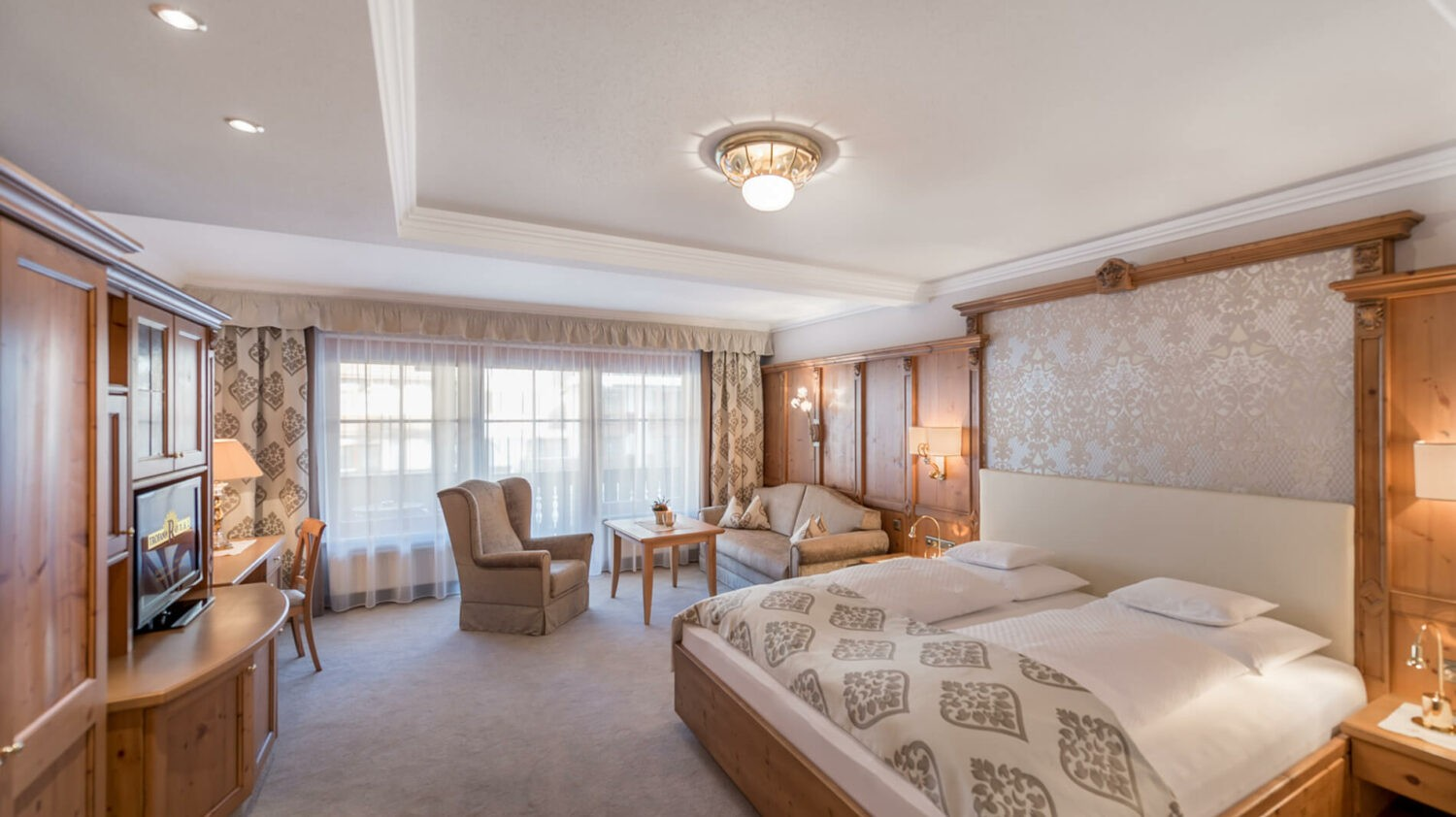 trofana-royal-double-bedroom-deluxe-alpin