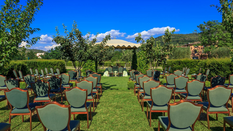 villa la massa italy-wedding-venue-garden