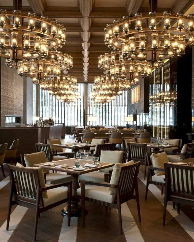 Chedi-Andermatt-the-restaurant-dining-room-toplists