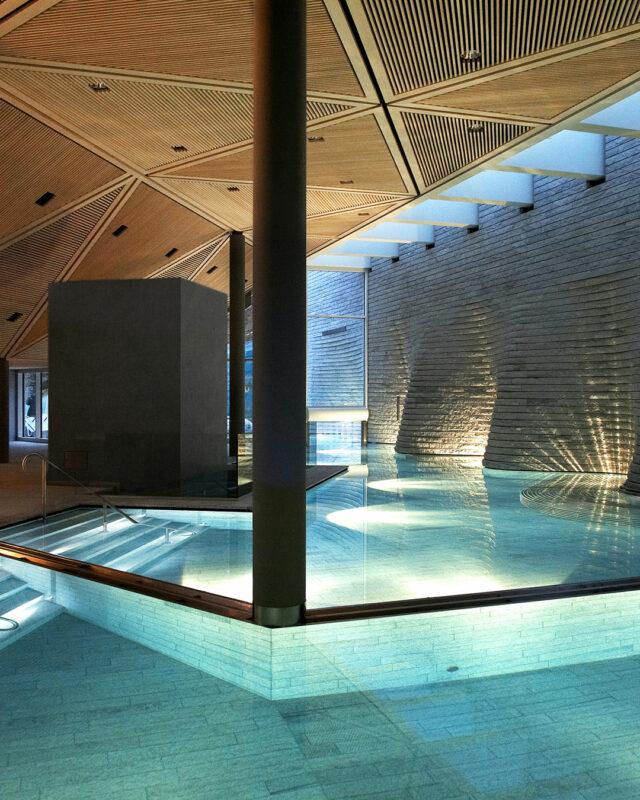Tschuggen-Grandhotel-Bergoase-Spa-pool-toplists