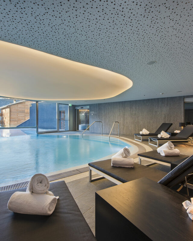 W Verbier-AWAY-Spa-pool-toplists