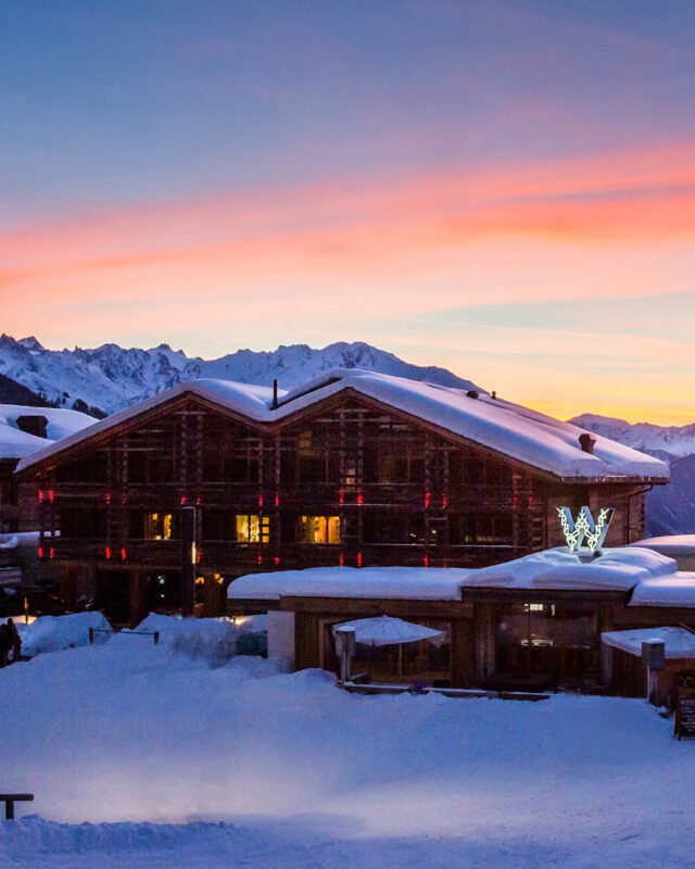 W Verbier-ski in ski out-night-toplists