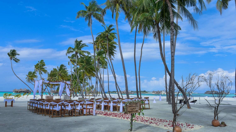 gili lankanfushi maldives-wedding-beach