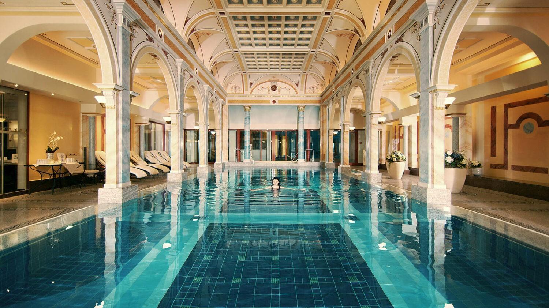 grand resort bad ragaz-helena-pool