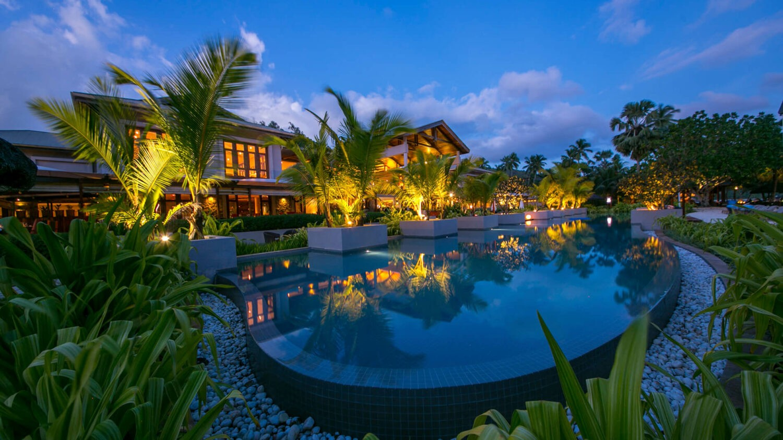 kempinski seychelles resort-swimming-pool