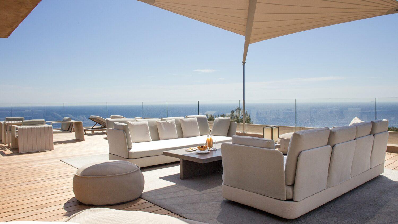 la-reserve-ramatuelle-lounge-view-ocean