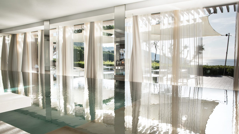 la-reserve-ramatuelle-pool-indoor-view