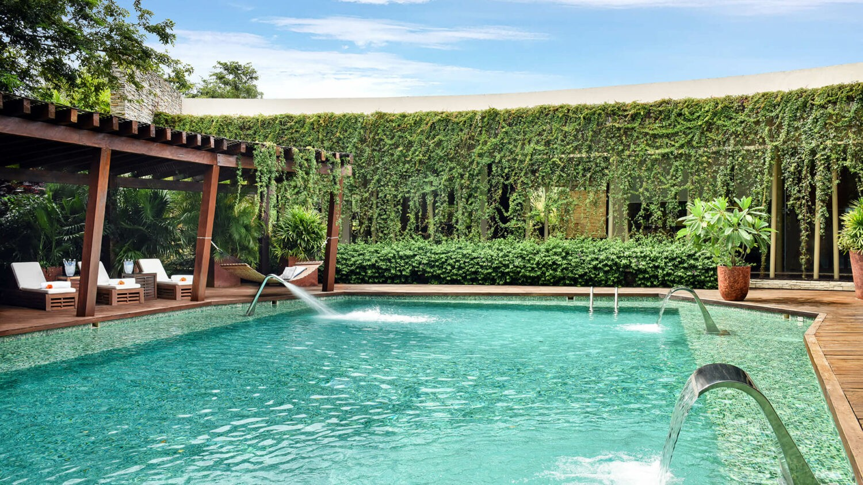rosewood mayakoba mexico-hidrotherapy-pool
