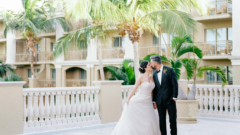 the ritz-carlton, grand cayman-couple-wedding