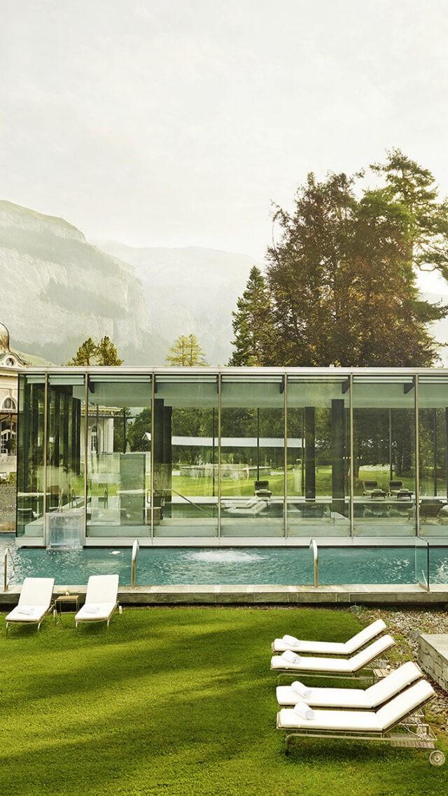 waldhaus-flims-outside-pool-view-mobile