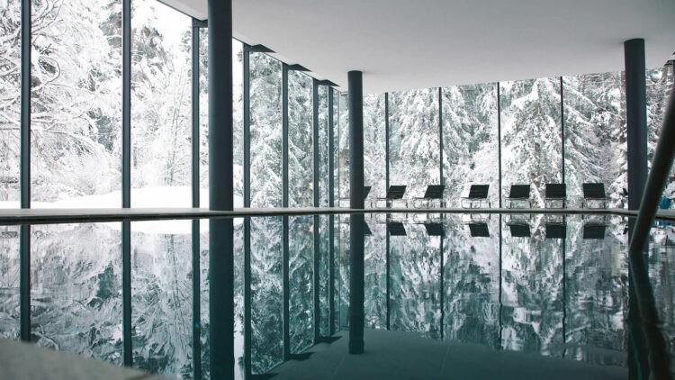 waldhaus-flims-winter-inside-pool-glass-view