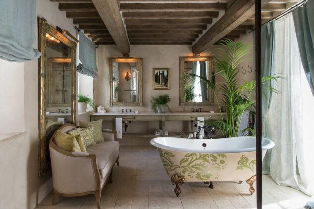 Borgo-Santo-Pietro Bathroom