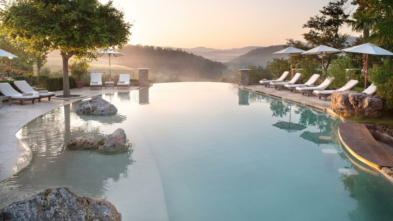 Borgo-Santo-Pietro Infinity-Pool