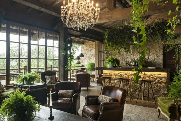 Borgo-Santo-Pietro Treehouse-Bar