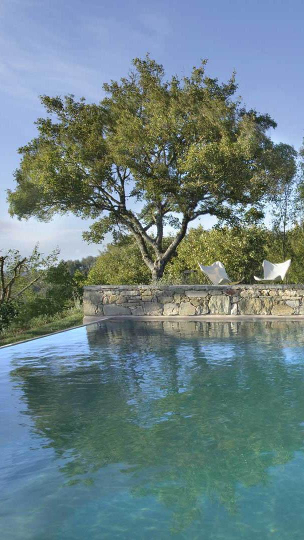 monteverdi-tuscany-infinity-pool-mobile
