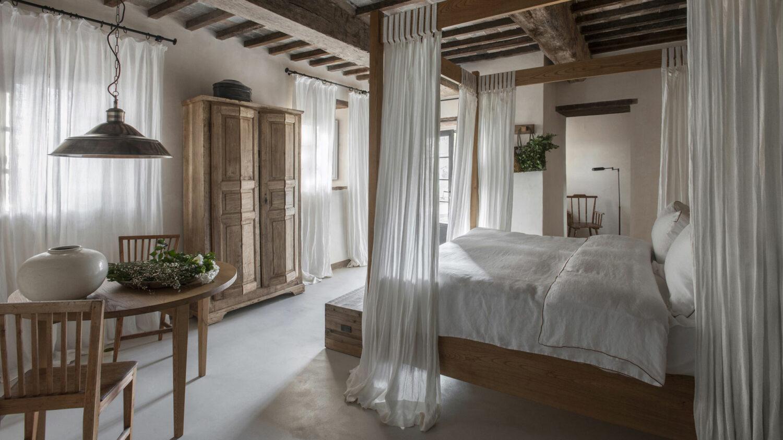 monteverdi-tuscany-luxury-room-ofero