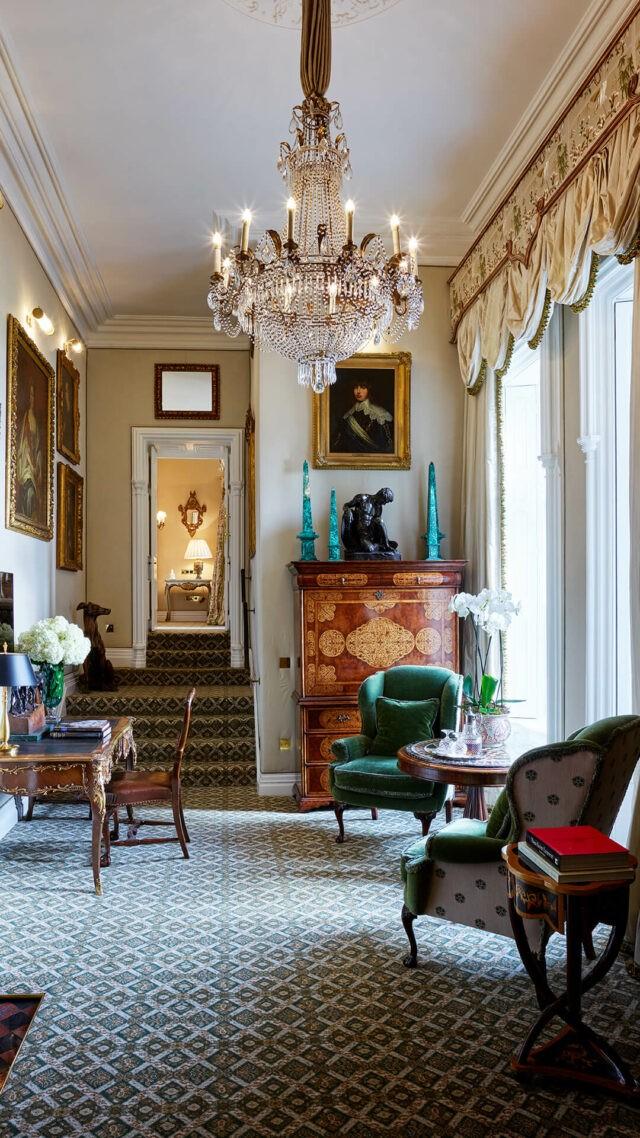 Ashford-Castle-reagan-suite-lounge-mobile