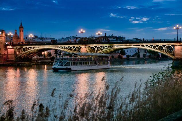 Hotel_Alfonso_XIII-bridge-of-isabel