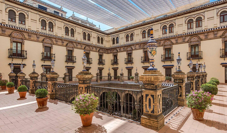 Hotel_Alfonso_XIII-courtyard-views