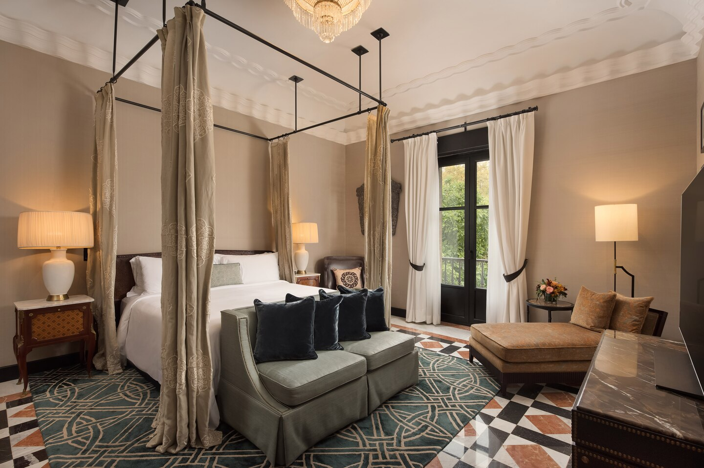 Hotel_Alfonso_XIII-king-alfonso-suite