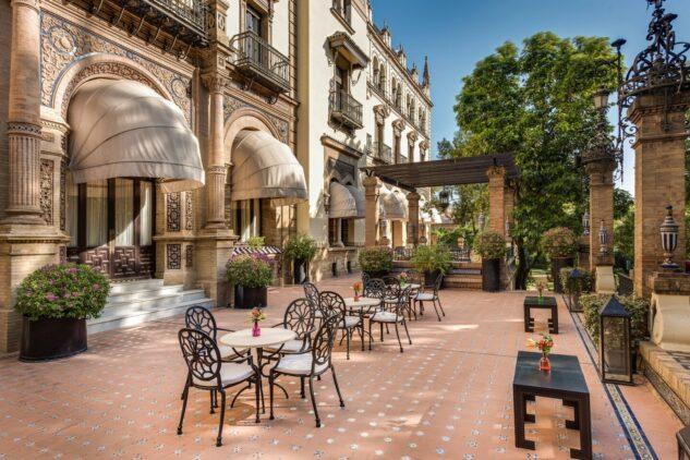 Hotel_Alfonso_XIII-terrace
