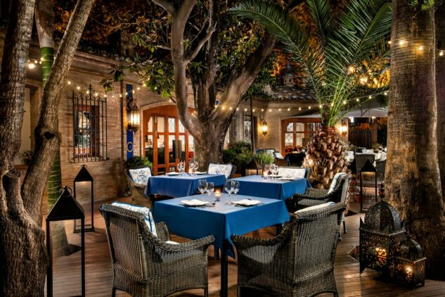 Hotel_Alfonso_XIII-pool-restaurant