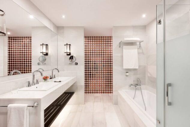 Hotel_Alfonso_XIII-suite-bathroom